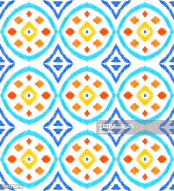 鮮やかな色で手描きモダンなイカットパターン。鮮やかな色でモダンなイカットパターン。ボヘミアンスタイルの鉛筆描画デザイン要素。パステル描画ベクトルパターン。ジプシー、インド� - イカット点のイラスト素材/クリップアート素材/マンガ素材/アイコン素材