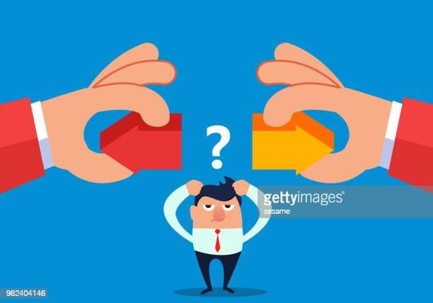 stockillustraties, clipart, cartoons en iconen met hand met twee pijlen links of rechts te laten zakenman kiezen - linkshandig