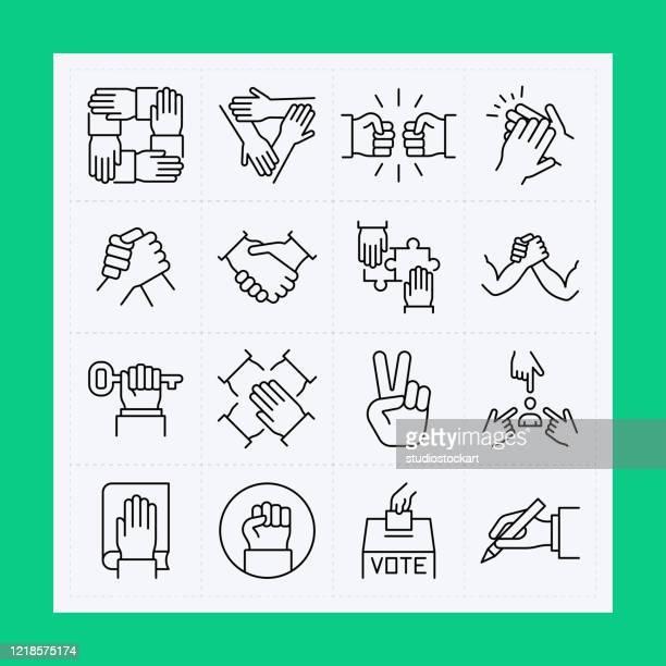 ilustraciones, imágenes clip art, dibujos animados e iconos de stock de conjunto de iconos de línea de mano. trazo editable - equipo