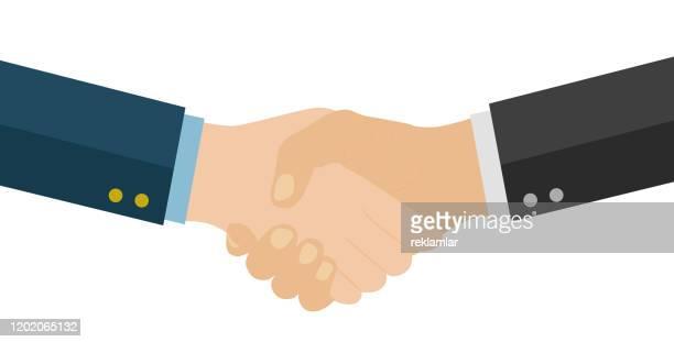 illustrations, cliparts, dessins animés et icônes de poignée de main des partenaires d'affaires. poignée de main d'affaires. une bonne affaire. - poignée de main