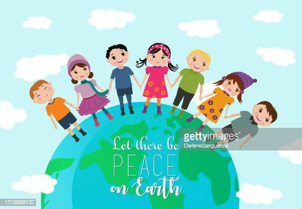 ilustraciones, imágenes clip art, dibujos animados e iconos de stock de niños felices de todo el mundo cogidos de la mano. - corteza terrestre