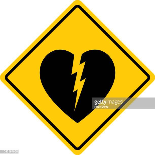 herzinfarkt warnzeichen - verkehrswarnung stock-grafiken, -clipart, -cartoons und -symbole