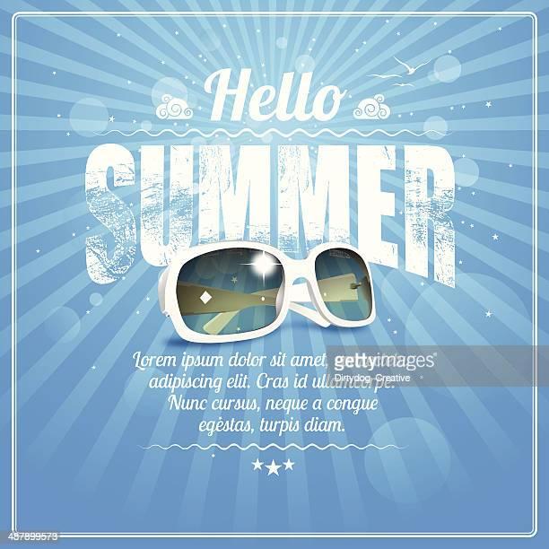 Hallo Sommer poster mit kühlen weißen Sonnenbrille auf blaue Strahlen