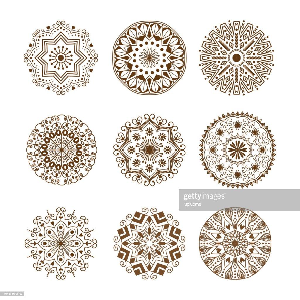 henna tattoo mehndi braun blume vorlage doodle ornamentale spitze dekoratives element und indische design muster paisley - Henna Tattoo Muster