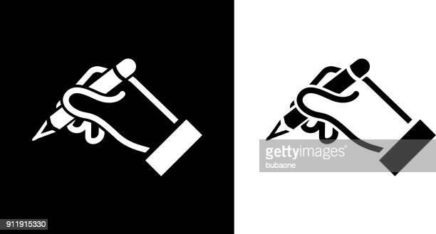 stockillustraties, clipart, cartoons en iconen met menselijke hand houdt potlood. - ondertekenen schrijven