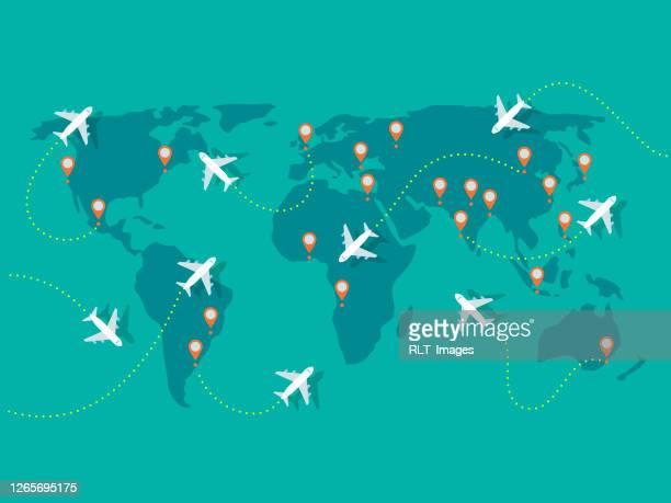 illustrazioni stock, clip art, cartoni animati e icone di tendenza di illustrazione dei voli aerei sulla mappa del mondo - planisfero