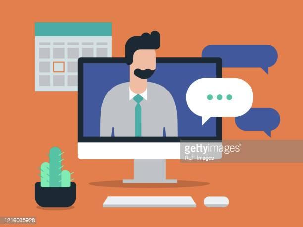 abbildung des arbeitsbereichs mit videoanruf auf dem desktopcomputer - computer stock-grafiken, -clipart, -cartoons und -symbole