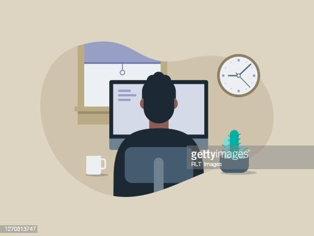 illustration eines jungen mannes, der in einem aufgeräumten homeoffice arbeitet - büro stock-grafiken, -clipart, -cartoons und -symbole