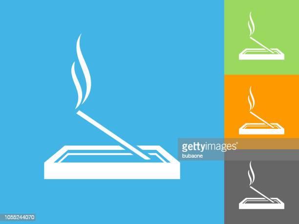ilustraciones, imágenes clip art, dibujos animados e iconos de stock de icono de plano en el fondo azul de incienso - olores agradables
