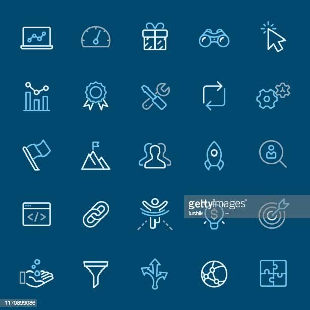 インターネットマーケティング - カラーアウトラインアイコン - ソフトウェアアップデート点のイラスト素材/クリップアート素材/マンガ素材/アイコン素材