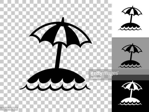 stockillustraties, clipart, cartoons en iconen met eiland en strand umbrella pictogram op dambord transparante achtergrond - strandparasol
