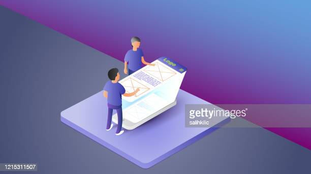 isometrische mobile anwendung ui/ux entwickler, designer - responsives webdesign stock-grafiken, -clipart, -cartoons und -symbole