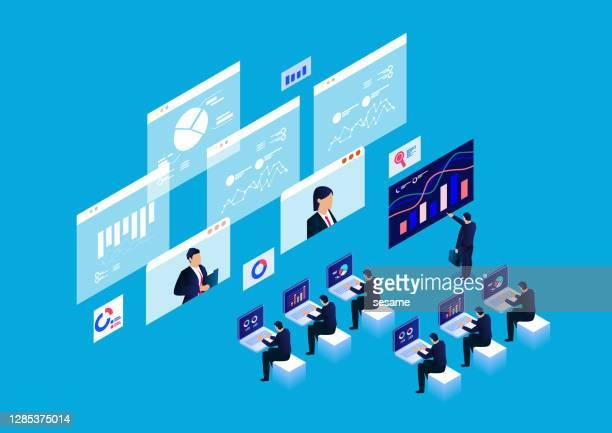 isometrische intelligente online-webinar- und online-schulungskonzepte, datenreportforschung und -analyse - internet konferenz stock-grafiken, -clipart, -cartoons und -symbole