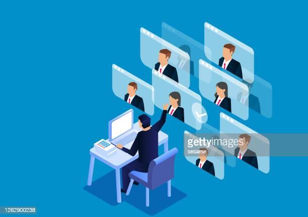 ilustraciones, imágenes clip art, dibujos animados e iconos de stock de videoconferencia isométrica, trabajo de conferencia en línea, comunicación en línea - compromiso de los empleados