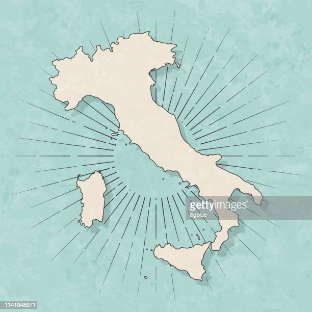 illustrazioni stock, clip art, cartoni animati e icone di tendenza di italy map in retro vintage style - old textured paper - ita