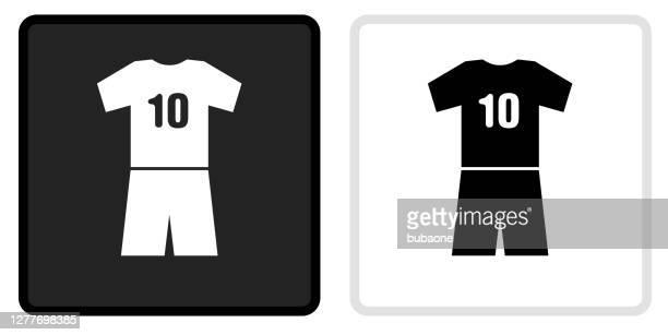 illustrations, cliparts, dessins animés et icônes de icône de jersey sur le bouton noir avec le rollover blanc - tenue de football