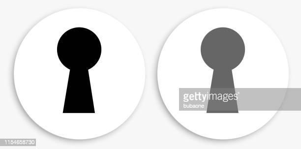 illustrations, cliparts, dessins animés et icônes de clé trou noir et blanc icône ronde - trou