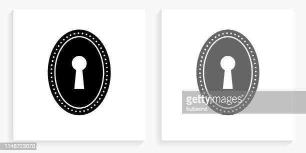 ilustraciones, imágenes clip art, dibujos animados e iconos de stock de keyhole icono cuadrado en blanco y negro - ojo de cerradura