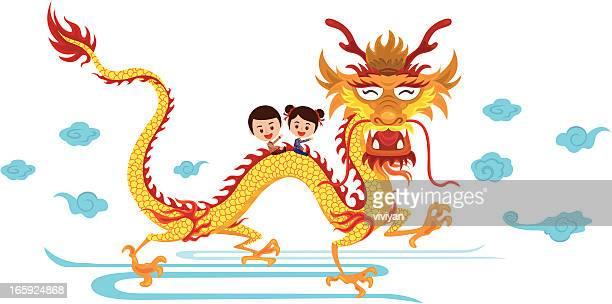 Niño con el dragón chino