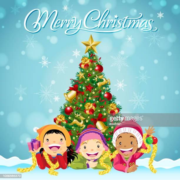 Kinder feiern Weihnachten