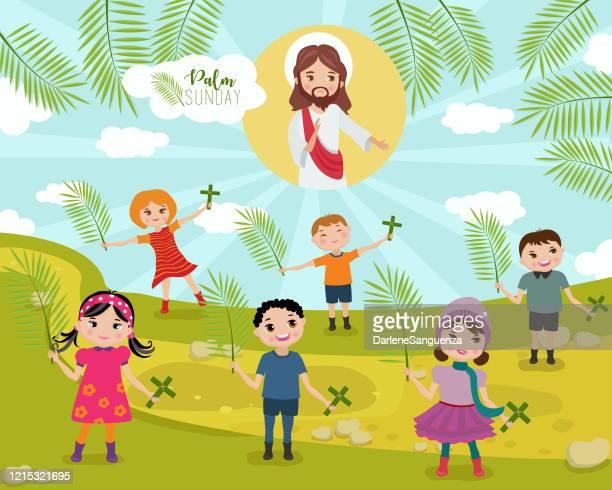 ilustrações, clipart, desenhos animados e ícones de crianças segurando folhas de palmeira e crucifixo louvando jesus no domingo de palma - domingo de ramos