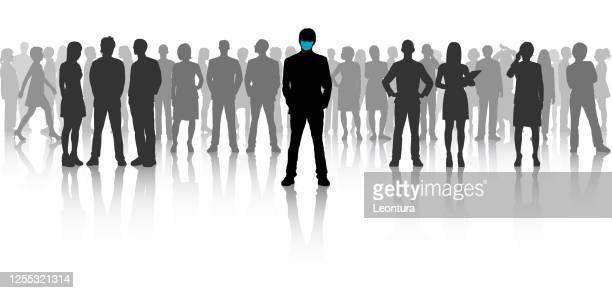 führung und covid-19 - große personengruppe stock-grafiken, -clipart, -cartoons und -symbole