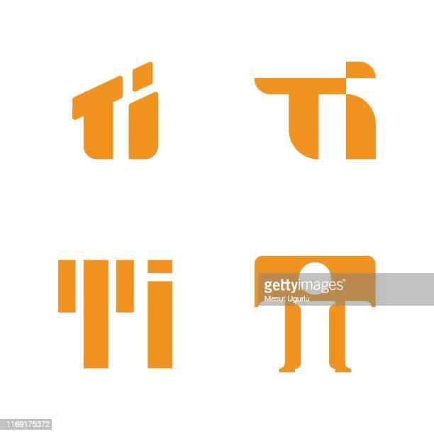 illustrations, cliparts, dessins animés et icônes de variation du logo de la lettre t - ��t��