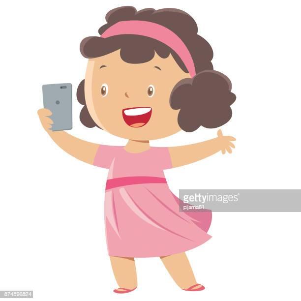 ilustrações de stock, clip art, desenhos animados e ícones de little girl taking a selfie - raparigas