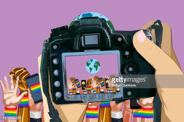 プライドパレードの生中継 - ゲイ・パレード点のイラスト素材/クリップアート素材/マンガ素材/アイコン素材