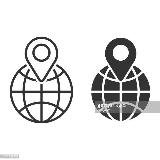 ilustraciones, imágenes clip art, dibujos animados e iconos de stock de icono de ubicación en globe y web concept vector design. - frase corta