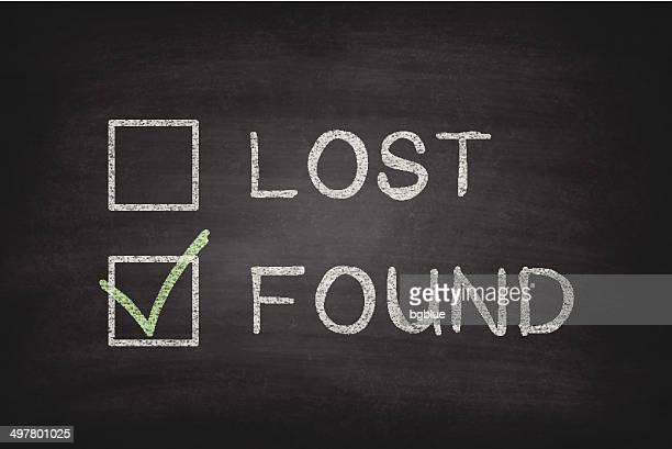 stockillustraties, clipart, cartoons en iconen met lost or found checkboxes on blackboard - chalkboard - vinden