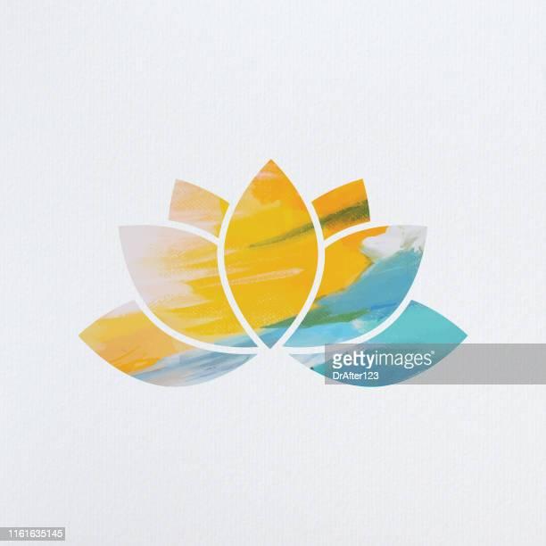 stockillustraties, clipart, cartoons en iconen met lotus-symbool - boeddhisme