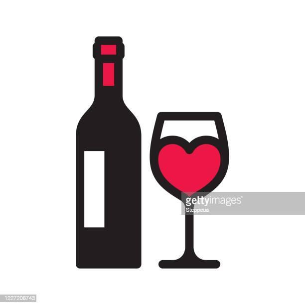 stockillustraties, clipart, cartoons en iconen met het wijnpictogram van de liefde - wijnfles