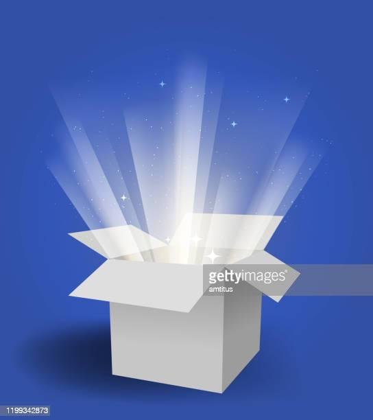 illustrazioni stock, clip art, cartoni animati e icone di tendenza di scatola magica - raggiante