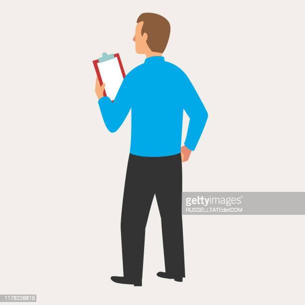 mann mit zwischenablage - klemmbrett stock-grafiken, -clipart, -cartoons und -symbole