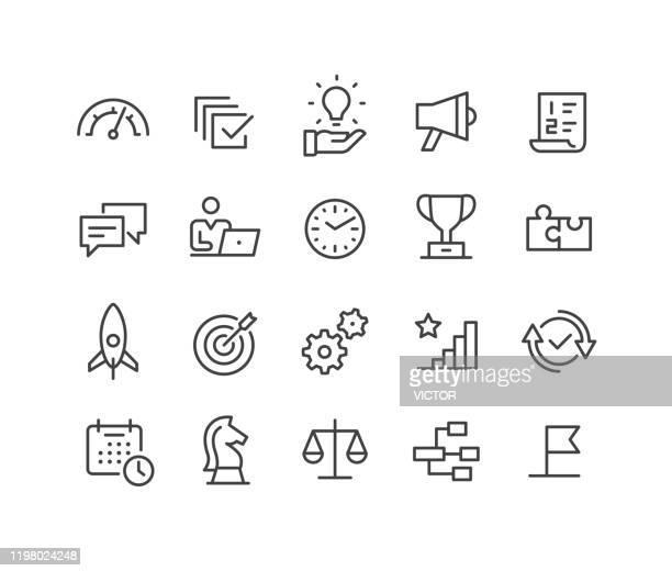 ilustraciones, imágenes clip art, dibujos animados e iconos de stock de gestión - iconos - serie de líneas clásicas - balanzas de la justicia