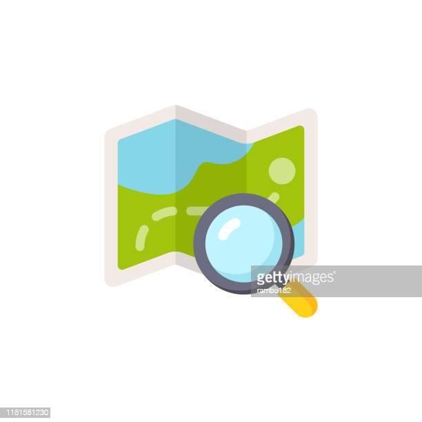 ilustraciones, imágenes clip art, dibujos animados e iconos de stock de mapa con icono plano de lupa. pixel perfect. para móvil y web. - lupa