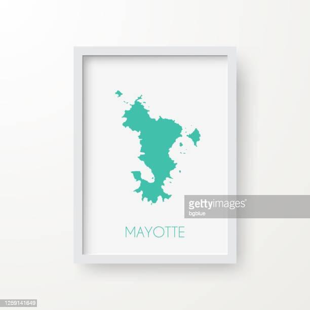 白い背景のフレーム内のマヨットマップ - フランス海外領点のイラスト素材/クリップアート素材/マンガ素材/アイコン素材