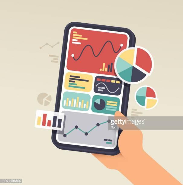 stockillustraties, clipart, cartoons en iconen met telefoon gegevens over mobiele apparaatstatistieken - big data