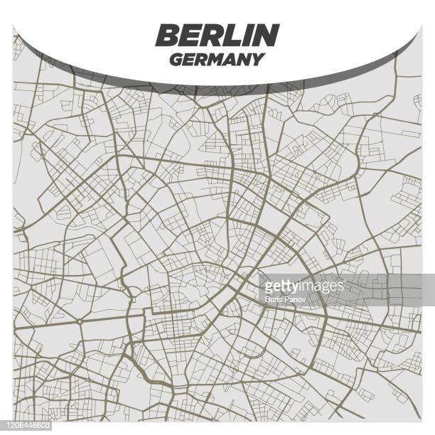 moderne und kreative flat city straßenkarte von berlin deutschland - stadtplan stock-grafiken, -clipart, -cartoons und -symbole