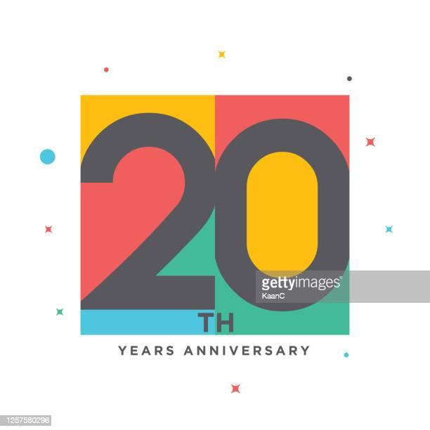 stockillustraties, clipart, cartoons en iconen met moderne kleurrijke verjaardagsembleem sjabloon geïsoleerd, verjaardagspictogrametiket, de tekenillustratie van het verjaardagssymbool - jubileum