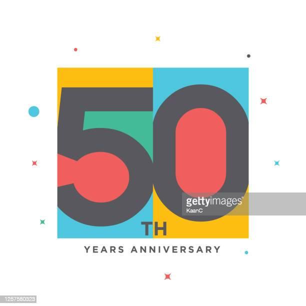 stockillustraties, clipart, cartoons en iconen met moderne kleurrijke verjaardagsembleem sjabloon geïsoleerd, verjaardagspictogrametiket, de tekenillustratie van het verjaardagssymbool - 50 jarig jubileum