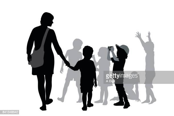 illustrations, cliparts, dessins animés et icônes de mère et enfants - première rentrée scolaire