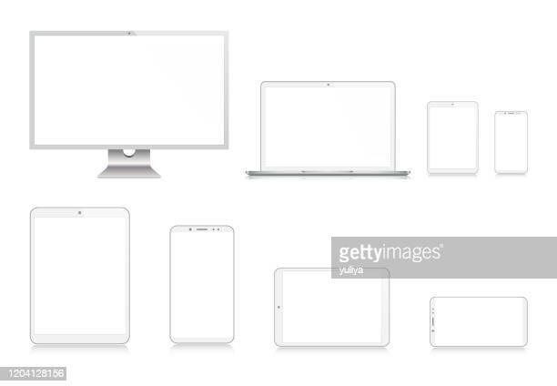 stockillustraties, clipart, cartoons en iconen met pc-monitor, tv, laptop, tablet, smartphone, mobiele telefoon in zilveren kleur met reflectie, realistische vectorillustratie - digital viewfinder