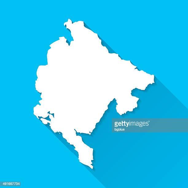 montenegro karte auf blauem hintergrund, lange schatten, flat-design - montenegro stock-grafiken, -clipart, -cartoons und -symbole