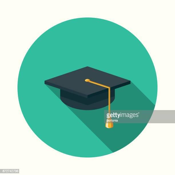 ilustraciones, imágenes clip art, dibujos animados e iconos de stock de icono de educación de diseño plano mortarboard con sombra lateral - birrete