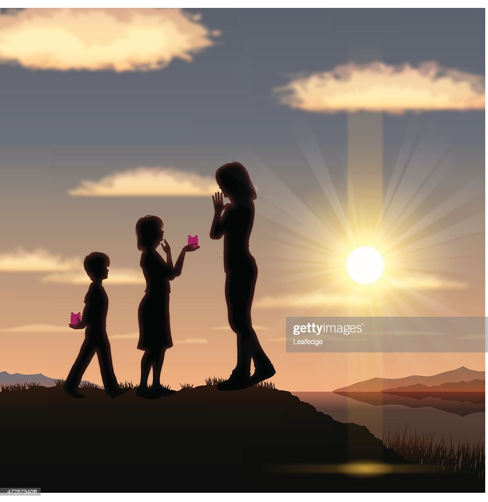 Mother's Day background[Mother and children in the sunset]