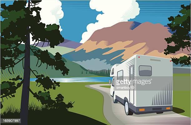 illustrations, cliparts, dessins animés et icônes de camping-car de vacances - camping car