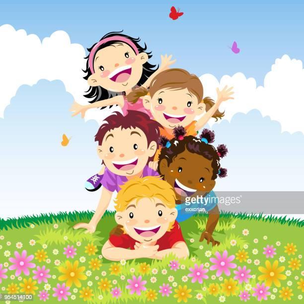 ilustraciones, imágenes clip art, dibujos animados e iconos de stock de grupo multiétnico de pirámide de los niños - educacion fisica