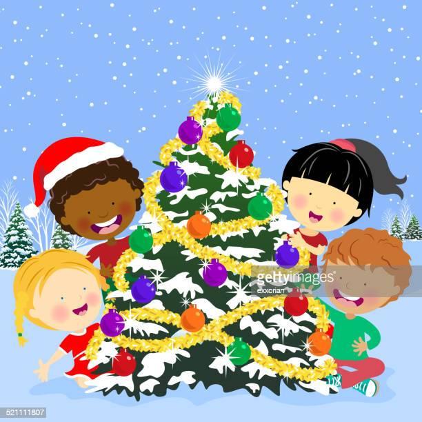 illustrations, cliparts, dessins animés et icônes de multi ethnique enfants de se cacher derrière l'arbre de noël - quatre personnes